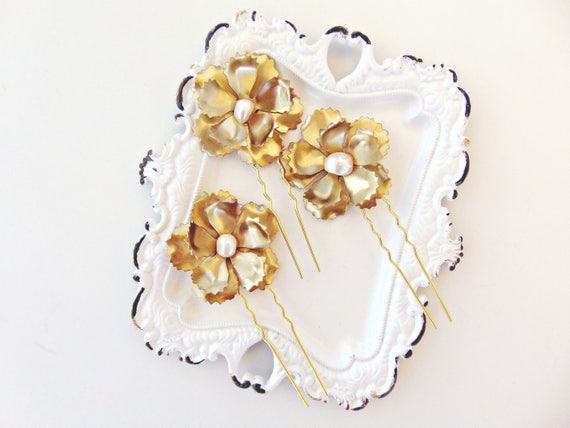 Gold Bridal Flower Hair Pins, Gold Flower Hair Pins, Brass Flowers, Wedding Hair Pins, Freshwater Pearl Hair Pins, Gold Hair Pins