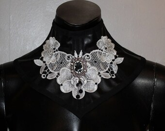 Final sale Leather neckcorset white lace