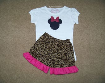 Minnie Mouse Outfit / Ruffle Shorts + Shirt / Cheetah & Hot Pink / Disney / Birthday / Newborn / Infant / Baby / Girl / Toddler / Boutique