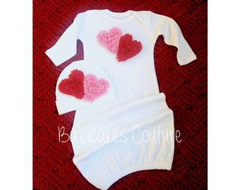 Babys 1st Valentine, Newborn Girl Valentine Outfit, Valentine Take Home Outfit, Heart Baby Gown & Beanie Set, Newborn Valentine Heart Outfit