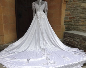 Vintage wedding dress 1980's bridal cathedral train formal gown southern belle