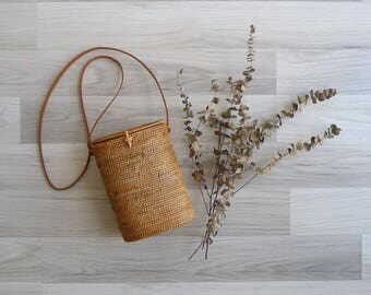 15% SALE (Code In Shop) - Vintage Woven Rattan Basket Box Bag with Leather Sling Strap