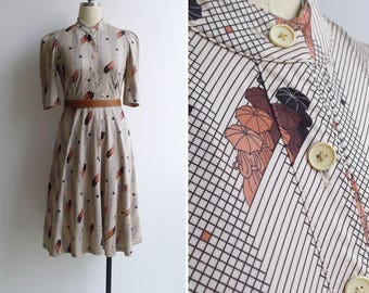 Vintage 70's 'Parasol Ladies' Novelty Print Polyester Knit Dress XS or S
