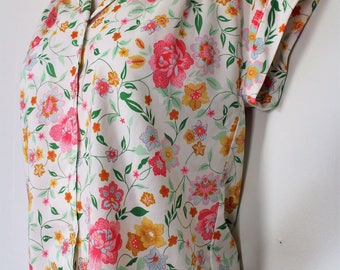 1960's Flowered Blouse - Cool Summer Top - Pink Flower Shirt - Button Up - Cap Sleeves - Sleeveless - Synthetic - XL