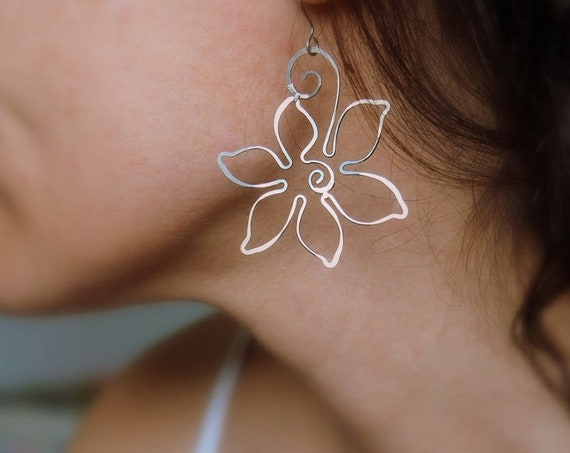 Floral earrings Oversized Silver Wire flower Nature jewelry Dangle Casual Bohemian Boho style gift for women