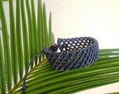 Bracciale per uomo fatto a mano a macrame, made in Italy, bracciale regalo per uomo, blu scuro, regolabile lunghezza, morena macrame, regalo
