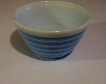 PYREX blue and white striped mixing bowl 1-1/2 pint