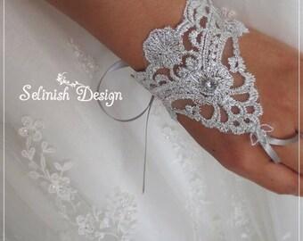 Silver Mini Lace Bridal Gloves, Fingerless Gloves, Wedding Cuffs, Bridal Accessories, Bridal Gloves, Silver Wedding-cf175silver