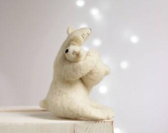 Needle Felt White Bears - Christmas Dreamy White Bear With A Baby Bear - Needle Felt Art Doll - Withe Felted Polar Bears - Christmas Decor