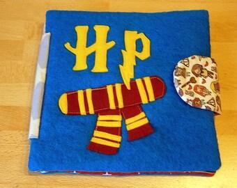 Harry Potter inspiriertes Stoffbuch für Kleinkinder mit Motiven aus Wollfilz ,Quietbook ,handmade, Einzelstück