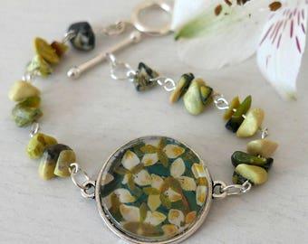 Green Bracelet, Floral Bracelet, Lily Bracelet, Gemstone Bracelet, Art Bracelet, Summer Bracelet, Spring Bracelet, Floral Jewellery