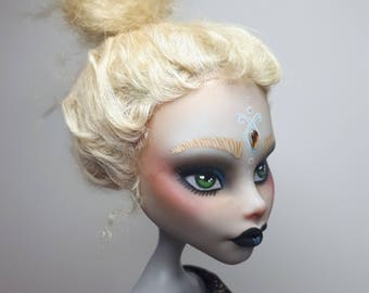 OOAK Monster High Repaint - Goth Ghoulia