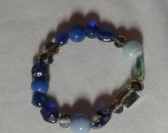 Blue beads stretchy bracelet - variables