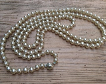 Vintage grey glass Pearl flapper style necklace