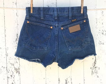 High Waist Wrangler Shorts 26 Waist