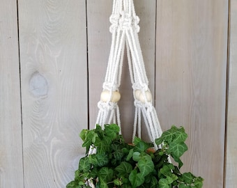 Macrame Plant Hanger // Macrame Hanger // Plant Hanger // Macrame Wall Decor // Home Decor // Tapestry Plant Hanger