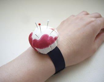 Wrist pincushion, Silk kimono fabric upcycle pincushion, Pink white, Partner of sewing, Craft supplies, needle, Japanese OOAK kimono gift