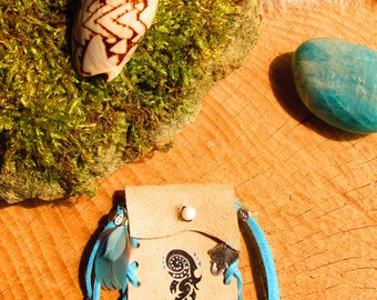 Ray, leather, feathers, chalcedony totem medicine bag