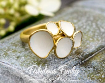 White / Pink geo ring bubbles
