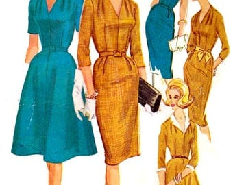 Sewing Pattern Vintage 1960s McCall's 5961 Mod Women's Sheath Or Full Pleated Dress