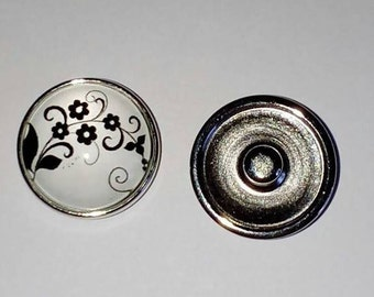 Black background glass snap button 18mm white