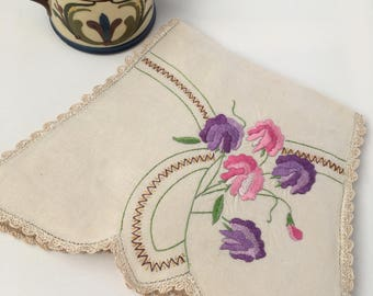 Vintage Hand-Embroidered Linen Tea Cosy with Floral Design
