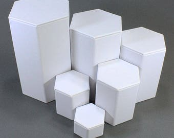 "White Leatherette Hexagonal Riser Set of 6pcs from 1-1/4"" to 6-1/4"" high  (DIS6513)"