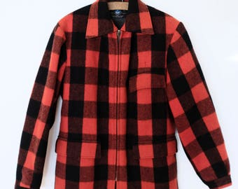 Vintage SWANNDRI Buffalo Plaid Red and Black 100% Wool Jacket - Size Small