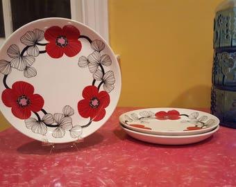"Set of 3 Vintage Arabia Finland Isokukka Dessert Plates 6.5"" (17 cm)"