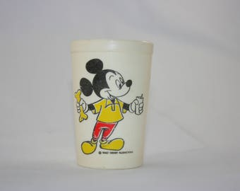 Walt Disney World Mickey Mouse Donald Duck Pluto Plastic Eagle Juice Cup 1970s 1980s Made in USA
