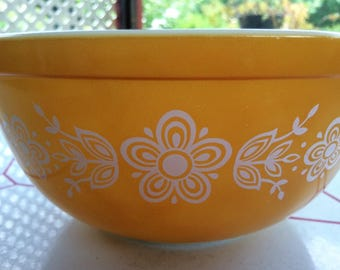 Pyrex Butterfly Gold 1/2 Qt. Bowl