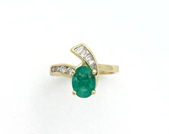 1.67 Carats Colombian Emerald Ring