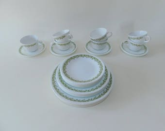 Vintage Corelle Crazy Daisy Spring Blossom 35 PC Set Plates for 7