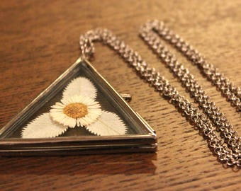 Pressed Flower Jewelry, Real Flower Necklace, Locket Necklace, Dried Flower Jewelry, Gift for Nature Lover, Flower Necklace