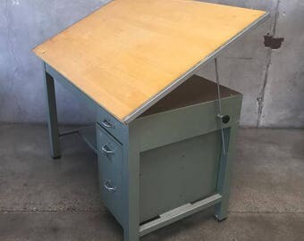 Good Large Vintage Drafting Table (BKVYCB)