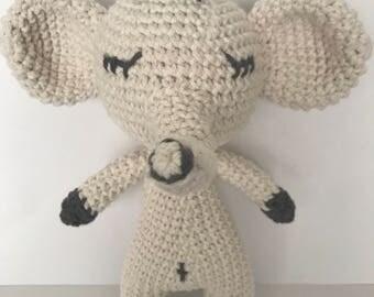 Elephant baby rattle, Baby toy, Elephant, amigurumi Elephant, crochet elephant, baby deco, Nursery deco