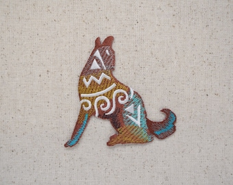 Wolf - Coyote - Southwest Tribal design - Howling - Iron on Applique - Embroidered Patch - 697074-A