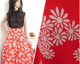 Vintage 1960s Red White Full Circle Floral Daisy Print Swing Skirt 50s / UK 8 10 / EU 36 38 / US 4 6