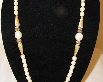 Vintage Pearl Rhinestone Necklace
