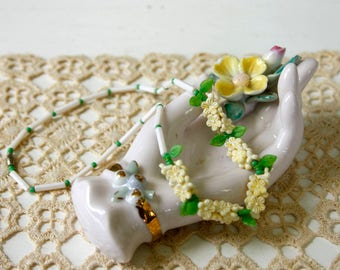 vintage 1930s necklace <> 30s/40s plastic flower necklace <> 1930s choker necklace with yellow flowers