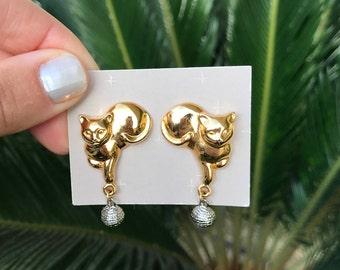 Vintage Cat Dangle Earrings // Vintage Avon Earrings // Kitty Cat Earrings // Frolicking Feline 1992 // Knitting Yarn Earrings