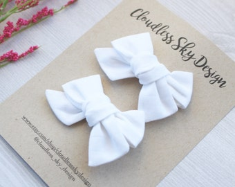 Pigtails / Pigtail bows / Pigtail bow set / White bow / Mini bows / Small pigtail bow / Small white bow / Girls bow / Hair clip / Mini bows