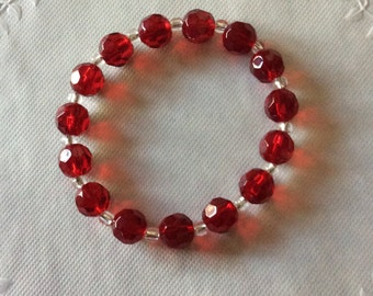 Red Beaded Bracelet / Stretchy