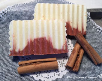 Natural vegetable handmade soap with olive oil and cinnamon.