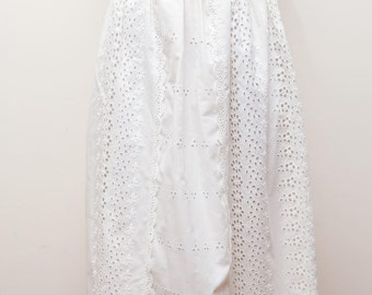 Vintage 1970s 1950s style Broderie Anglaise embroidered white skirt