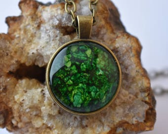 Green Alcohol Ink Pendant Necklace. Unique Green Galaxy, Handmade, Bronze Chain