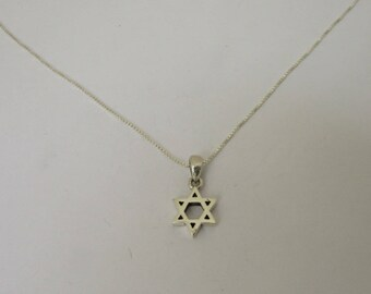 Beautiful and Dainty Classic Star of David Necklace, Sterling Silver Simple Jewish Star Necklace, Unisex Jewelry, All Chain Lengths
