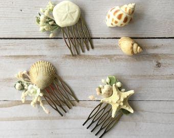 Beach Wedding Hair Comb, Small Bridal Flower Comb, Seashell Hair Comb, Mermaid Photo Shoot, Floral Braid Clip, White Ivory Beach Floral Comb