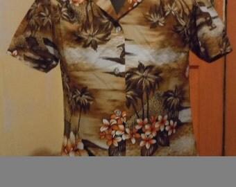 Vintage 1960's Hukilua Fashions Ladies cut hawaiian blouse button up