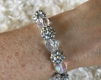Stretchy bling bracelet
